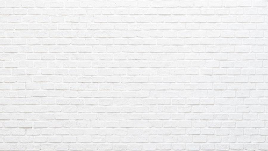 frisch gestrichene weiße Mauer