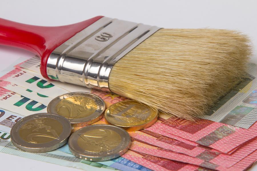 Malerpinsel und Geld